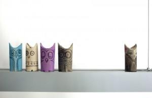 Búhos y un gato / Owls and a cat / Eulen und eine Katze