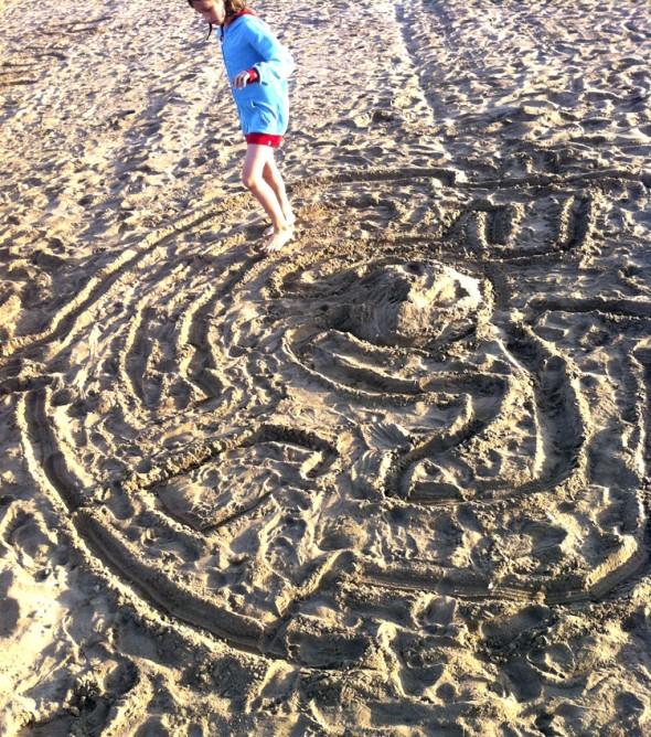 labyrinth maze laberinto playa beach strand kinder kids niños jugar play spielen