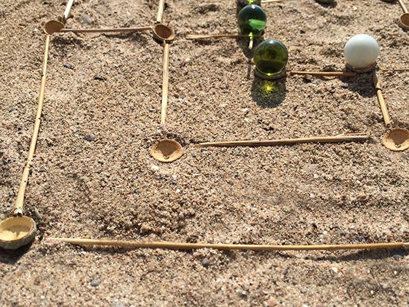 mühle spiel murmel landart mill game marble eucalyptus landart juego de molino de eucalipto canica 5