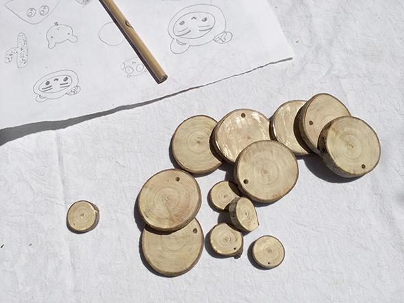 holzscheiben anmalen rodajas de madera pintar wood slices painted kids kinder niños manualidad basteln craft