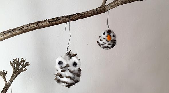 tannenzapfen-eule-watte-kinder-basteln-christmas-cones-owl-craft-kids-weihnachten-ninos-del-algodon-pina-buho-manualidad-facil