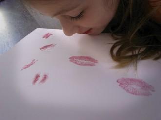 manualidad basteln malen craft kids kinder niños küsse besos kiss