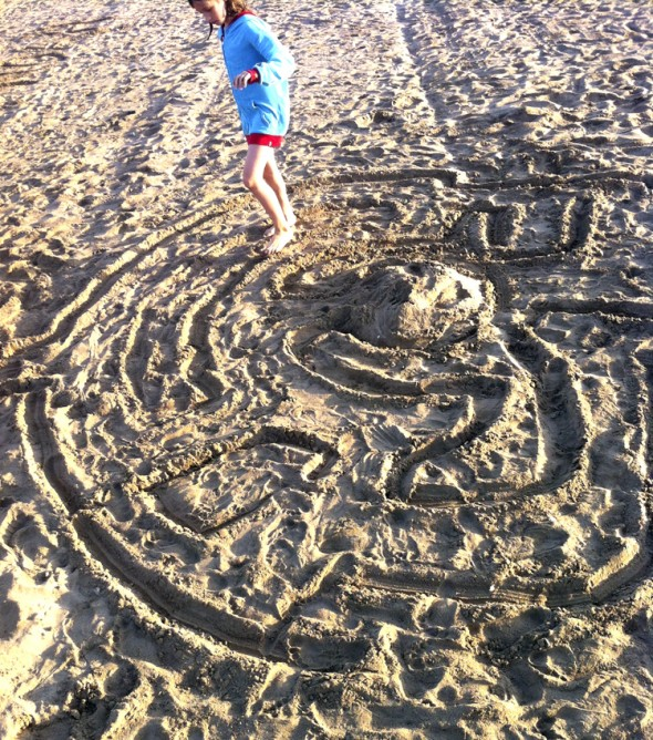 labyrinth maze laberinto playa beach strand kinder kids niños jugar play spielen