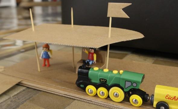 cartón tren juego niños karton spiel zug kinder kids play train cardboard