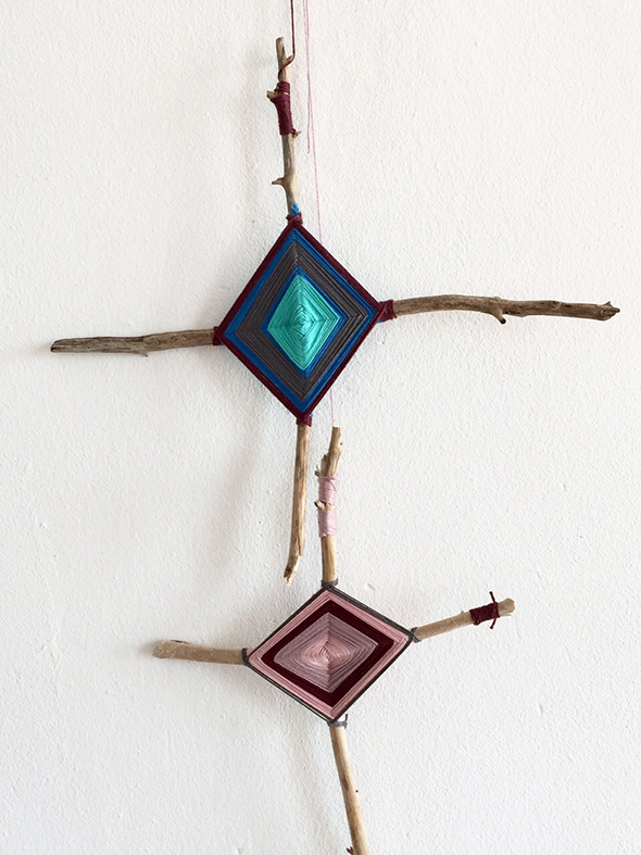 gods eye gottesauge ojo de dios wolle stöcke wool lana kids kinder manualidad ornament craft