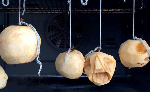 Halloween horno ofen oven manzanas apples äpfel