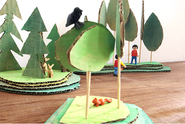 Karton Wald / Bosque de carton / Cardboard forest