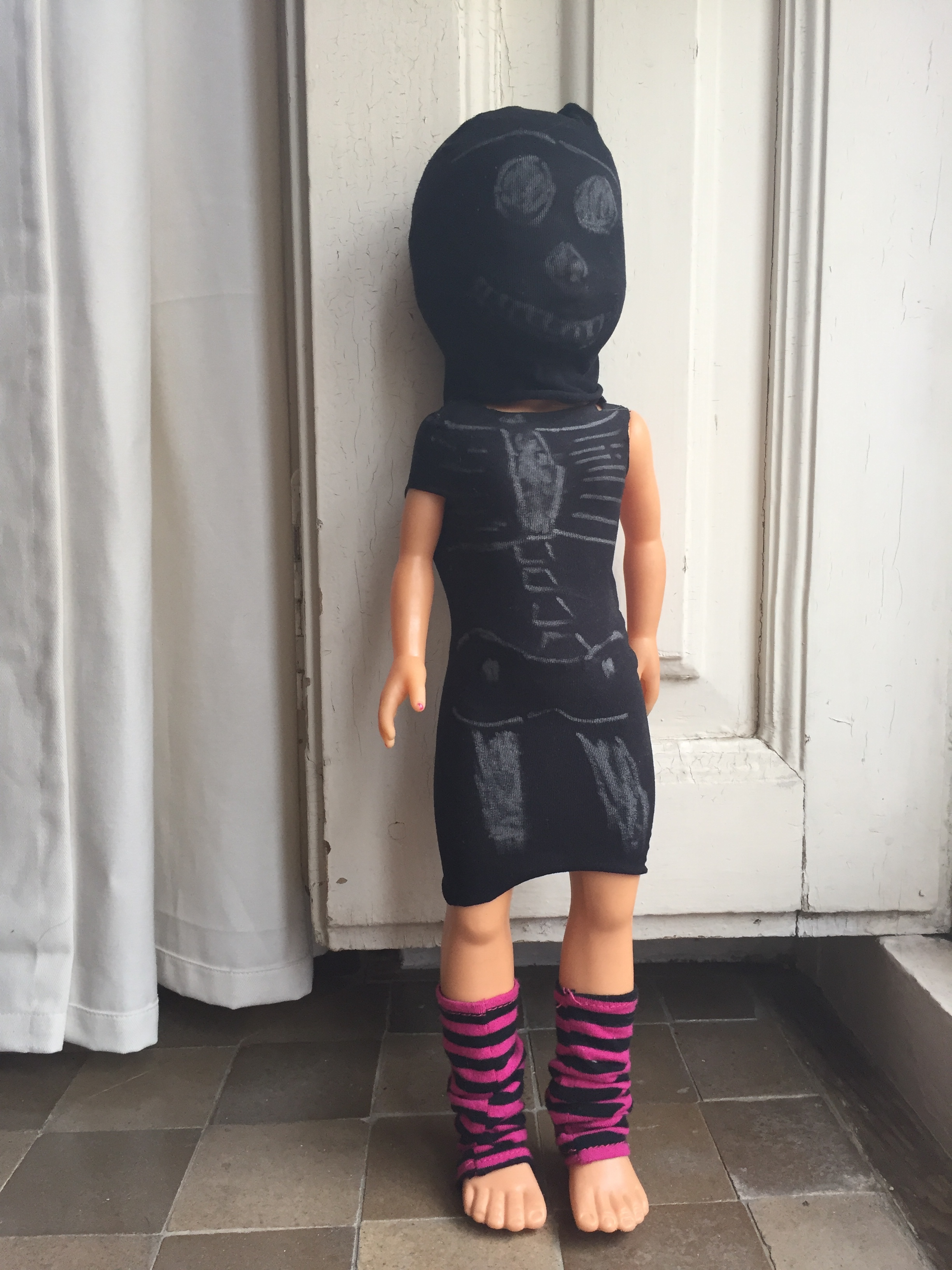 halloween-disfraz-doll-muneco-costum-kostuem-puppe-diy-basteln-manualidad-selber-machen-alte-strumpfhose-pantys-calcetines