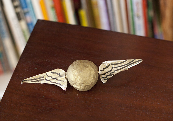 deco-snitch-dorado-gold-goldener-harry-potter-quidditch-diy-basteln-manualidad